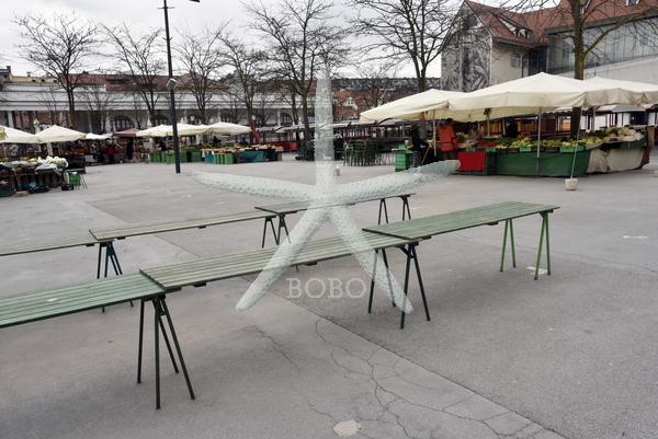 Slovenija, Ljubljana, 24.03.2020, 24. marec 2020  Prazno mestno jedro Ljubljane. Ostani doma  koronavirus, Covid 19 tržnica Foto: Žiga  Živulović jr./BOBO