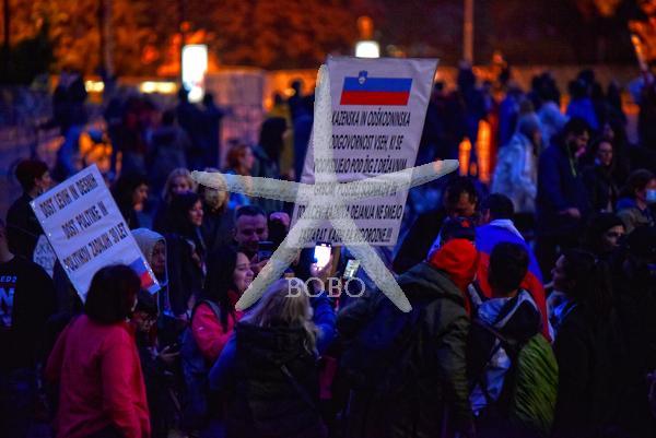 Slovenija Ljubljana 15.05.2020 15. maj 2020  Protest na kolesih pred parlamentom. Politika družba  Foto: Žiga Živulović jr./BOBO