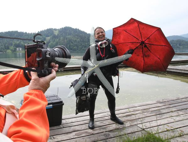 Slovenija Bled 23.05.2020 23. maj 2020 Potapljači čistijo blejsko jezero. Narava, zaščita narave, plastika, ekologija, zaščita narave Foto: BOBO
