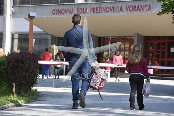 Slovenija, Jesenice, 18.05.2020, 18. maj 2020  Danes so začeli učenci prve triade zopet obiskovati pouk. Izobraževanje, šolstvo, šola, post koronavirus, izobraževanje, OŠ Prežihov Voranc Foto: Žiga Živulovič jr. /BOBO