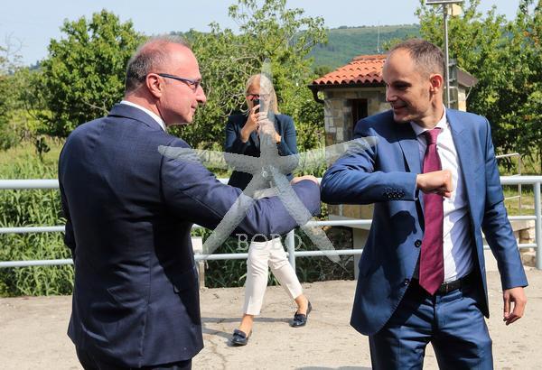 Slovenija, Dragonja, 22.05.2020, 22.maj 2020 Anže Logar in Gordan Grlič Radman sta se srečala na meji. Hrvaška, minister za zunanje zadeve, politika, Foto: BOBO